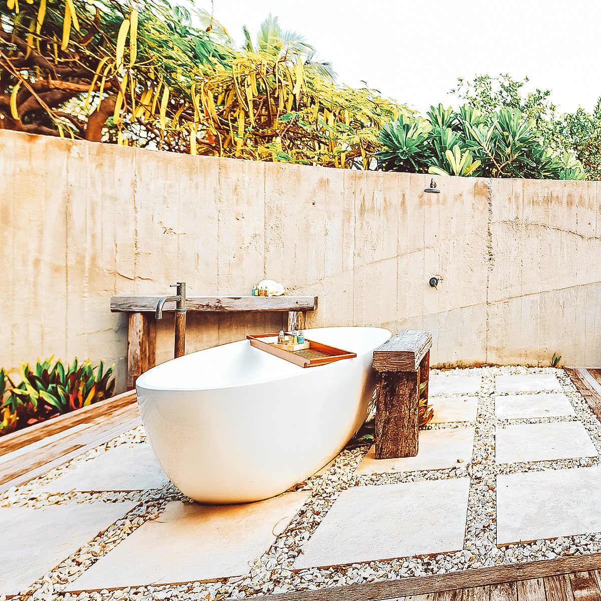Vomo Beachfront Retreat Outdoor Bath