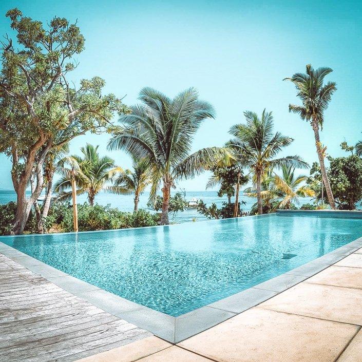 Vomo The Residence Pool